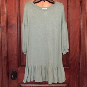 Woman's tunic top, size small